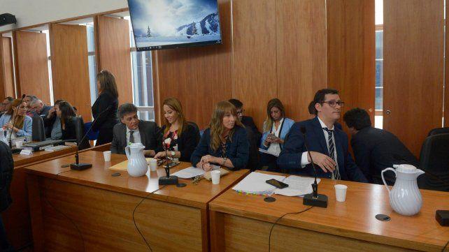 Fiscales. Gonzalo Fernández Bussy y sus pares llevaron adelante la acusación contra el testigo reservado.