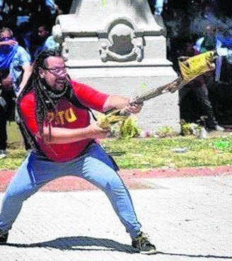 Romero continúa prófugo.