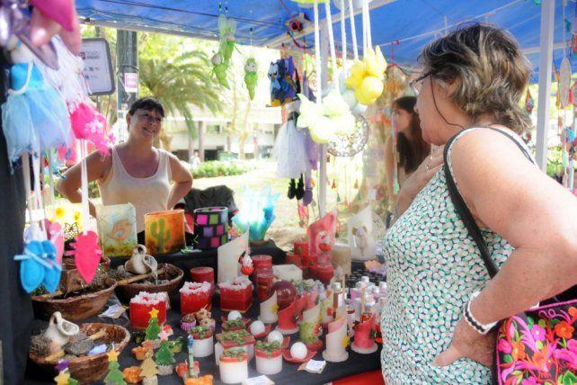Realizan ferias de emprendedores para la celebración de Reyes