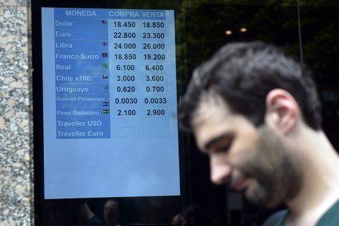 cambiemos dólares. El mercado de divisas vivió otra jornada agitada.