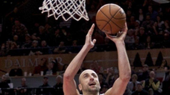 Historia. Ginóbili anotó 26 puntos a los 40 y produce números pocas veces vistos.