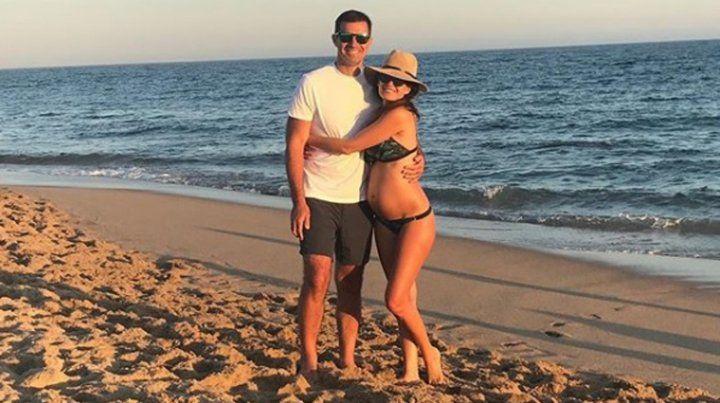 Isabel Macedo disfruta su embarazo y un buen sandwich de milanesa
