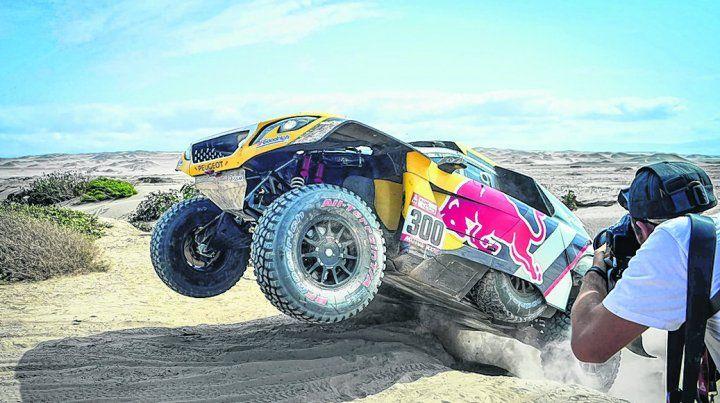 Es el uno. Monsiuer Dakar se recuperó milagrosamente en Uyuni y ganó su 40ª etapa en auto. Sólo lo supera Ari Vatanen