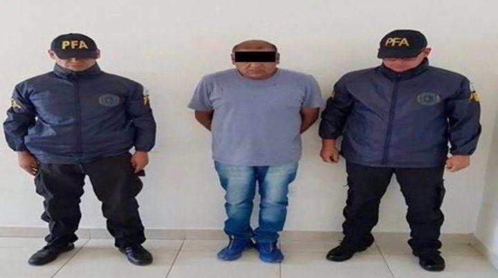 El excartero fue detenido por la policía de Rawson.