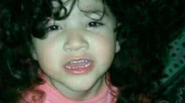 Triste final. El cuerpo de la nena desaparecida fue hallado esta noche en un terreno baldío.