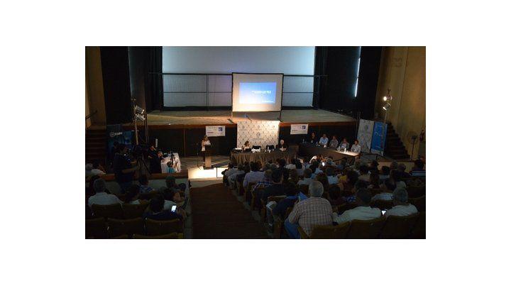 desacuerdo. Los legisladores de Santa Fe participaron de la audiencia pública realizada en Rufino.