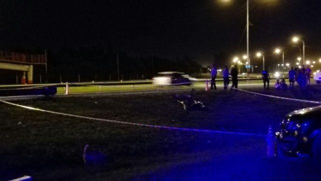 El cuerpo de la víctima fue tapado con una bolsa.