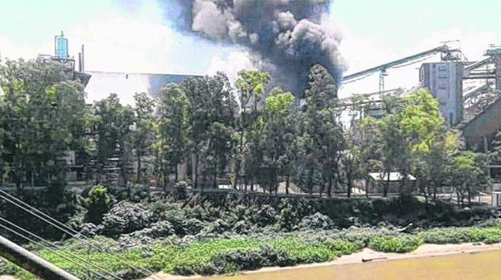 de cerca. El incendio se produjo a primeras horas de la tarde y fue sofocado rápidamente.