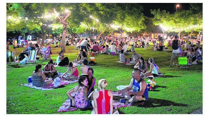 encuentro. Será el tercer picnic nocturno del año en la ciudad.