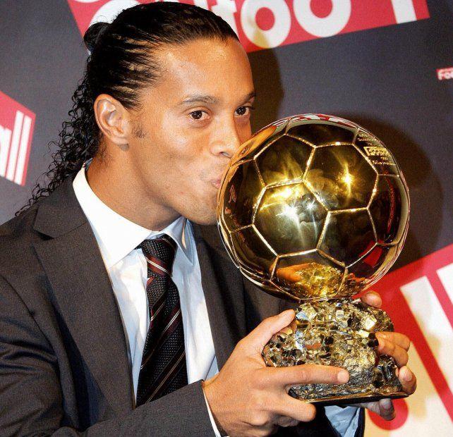 El retiro. Ronaldinho anunció su adiós de las canchas luego de dos años de su último partido.