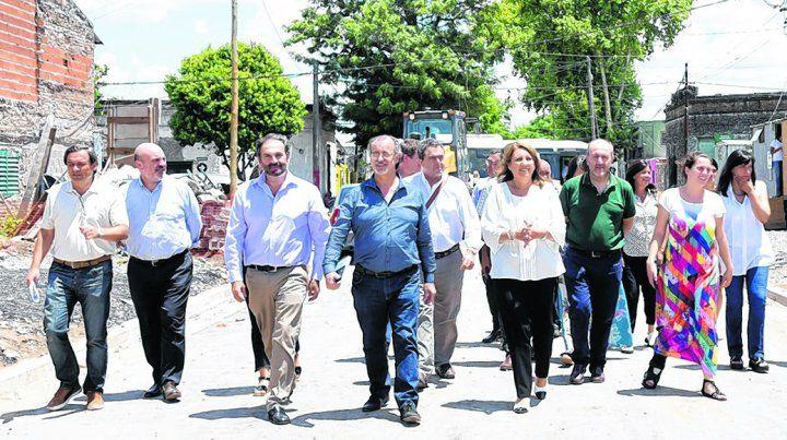 visita. La responsable del Palacio de los Leones y su equipo recorrieron trabajos en el marco del Plan Abre.