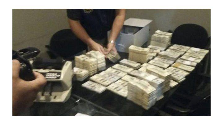 Hallaron cuatro millones de dólares en cajas de seguridad del sindicalista Balcedo en Uruguay