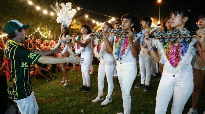 Al ritmo del swing y las comparsas, miles de rosarinos disfrutaron un nuevo Picnic Nocturno