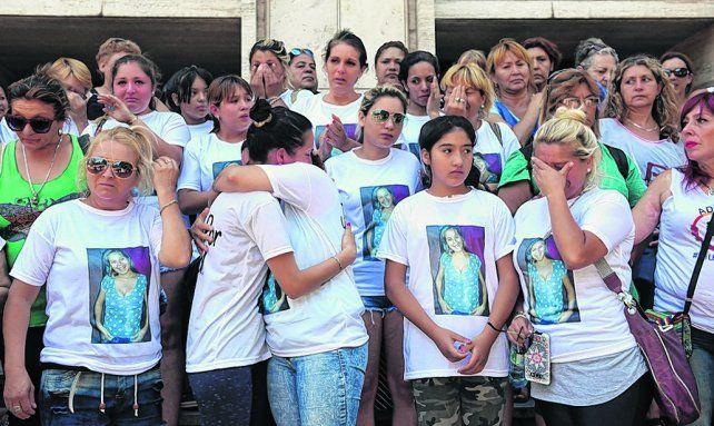 Una protesta de los familiares de Débora frente a Tribunales