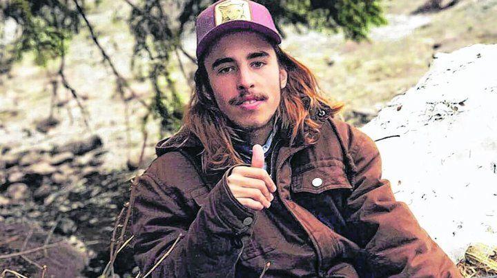 víctima. Lacase tiene 19 años y vive en Villa Allende. Sus padres viajaron a Uruguay.