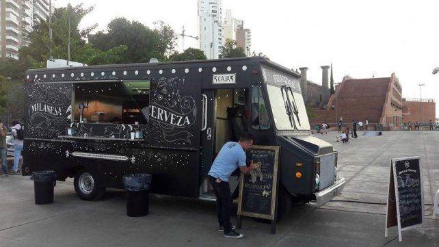 Food trucks y música en el Mercado del Patio