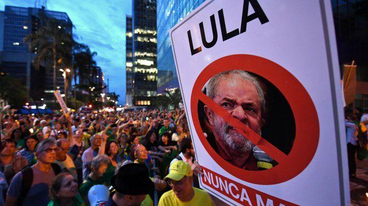 Seguidores y detractores de Lula salieron a las calles en distintas ciudades