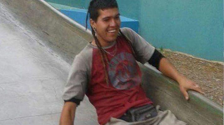 Travesía. Cristian estaba recorriendo Latinoamérica desde hace tres años y hoy iba a volver a Rosario por su cumpleaños. Sufrió un paro cardiorrespiratorio y entró en estado crítico.