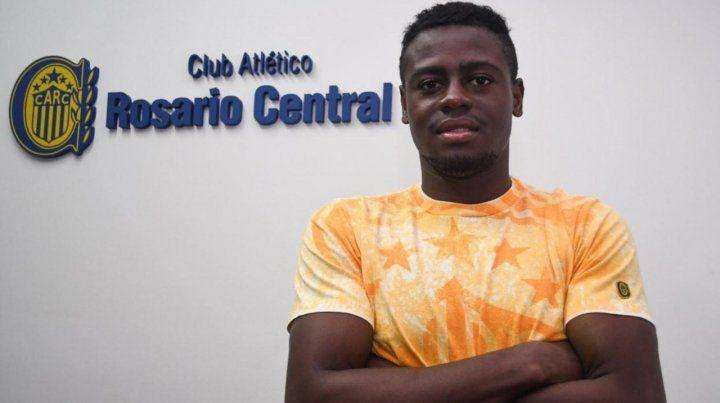 El colombiano Cabezas ya estampó la firma y es el segundo refuerzo de Central