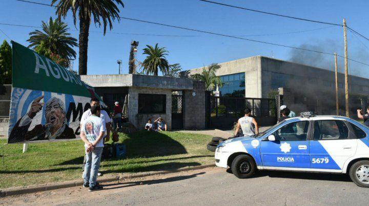 Trabajadores de Distribuidora Andina protestan en la planta