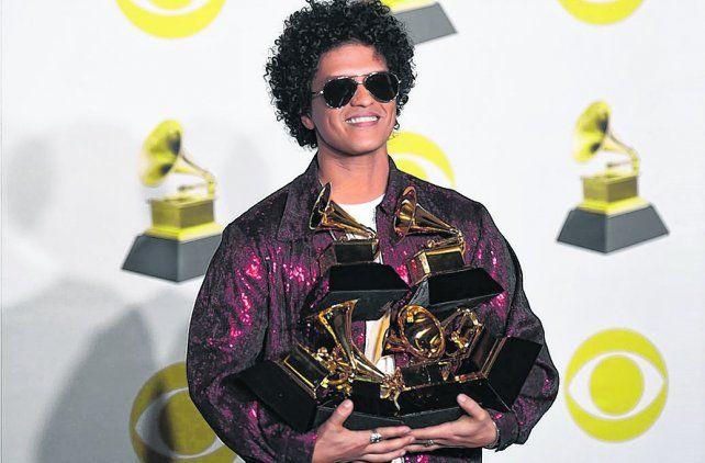 Seis gramófonos. Bruno Mars se coronó gracias a su álbum 24K Magic ante un Madison Square Garden colmado.
