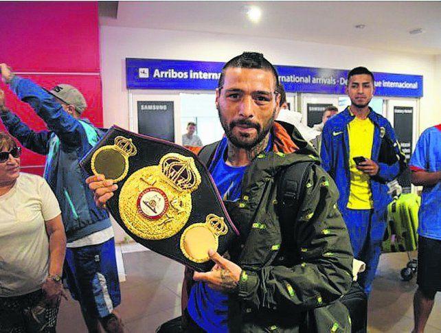 El campeón. Matthysse luce orgulloso el cetro que ganó el sábado ante el filipino Tewa Kiram.