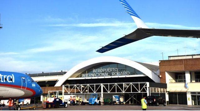 En el aeropuerto local operan seis empresas que vuelan regularmente.