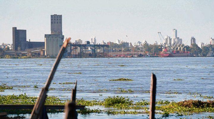 más altas. Las aguas del Paraná aumentan su caudal.