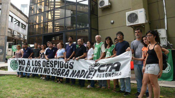 Protesta en el Inti Rosario por el despido de trabajadores