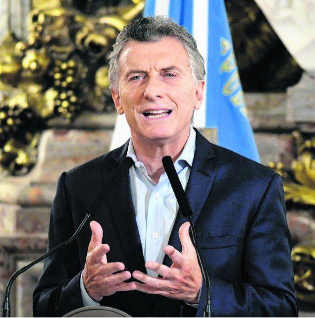 menos parientes. Macri anunció un recorte del 25% en el Estado.
