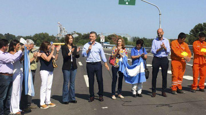 El presidente inauguró el primer tramo de autopista Pilar-Pergamino.