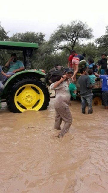 inundados. Los habitantes de San Victoria Este