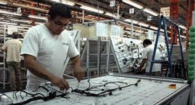Industriales pymes proponen gravar 5 por ciento a las importaciones