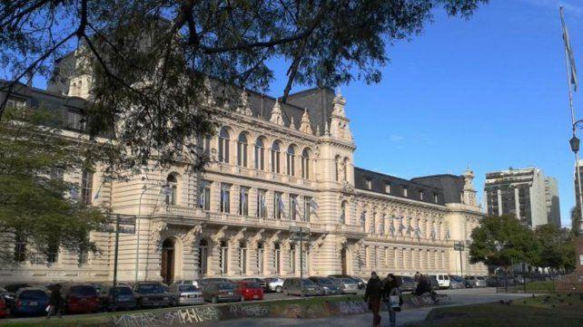 El Ministerio de Educación de la Nación convocó para mañanaa las 8 a los sindicatos docentes con representación nacional.