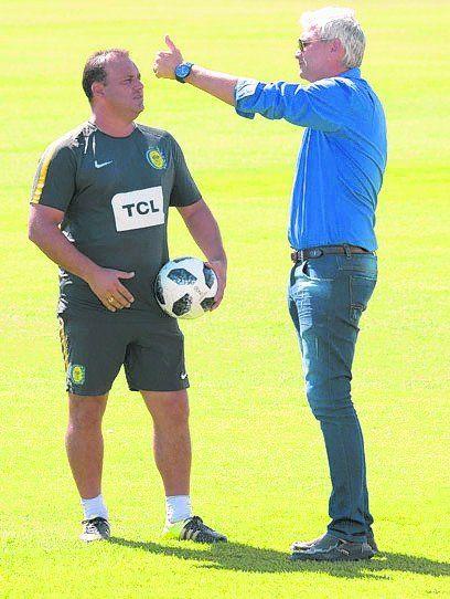 Carloni pasó y charló con el entrenador