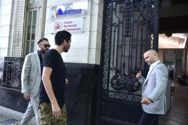 montevideo al 1900. El letrado José Nanni le indica a Paladini que ingrese a la sede del MPA.
