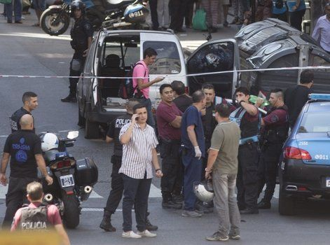 balacera. Policías y ladrones se tirotearon en Corrientes y Paraná.