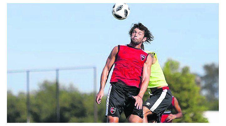 Por una cabeza. Fabricio Fontanini llegó como refuerzo y ayer fue habilitado para jugar.