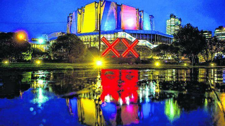 Para ver. El festival gratuito del Lux Light con luces públicas es en mayo. Se hace en el paseo marítimo y en las calles de Wellington. Son espacios cautivadores para los ojos del turista. Arte