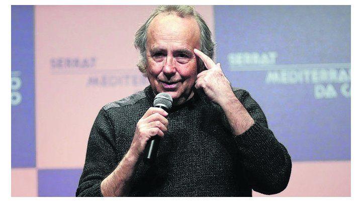 de fiesta. Joan Manuel Serrat celebra los 30 años de Mediterráneo.