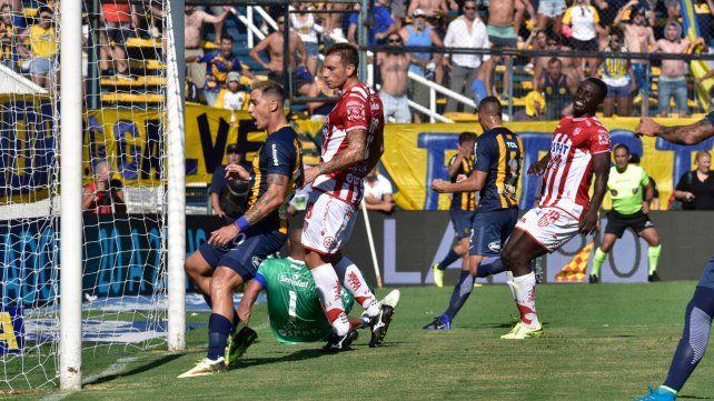 Gol. Tobio anotó y el canalla sumó de a tres frente a Unión.