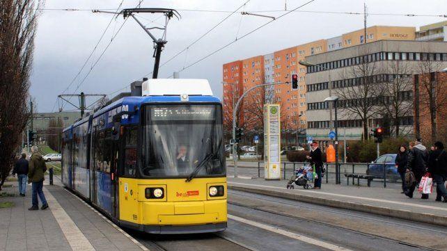 Capital. Una unidad del ponderado transporte público de Berlín.