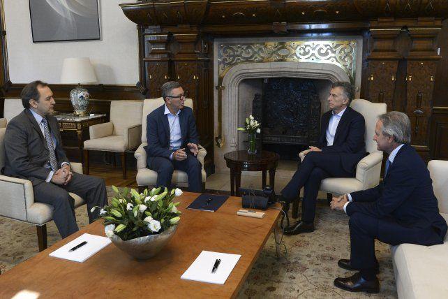 Telecom Argentina le anunció a Macri una inversión de 5.000 millones de dólares