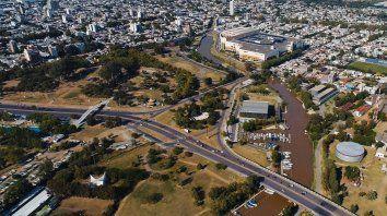 Firma de convenio. Este sábado se realizará la jornada de limpieza del arroyo Ludueña.