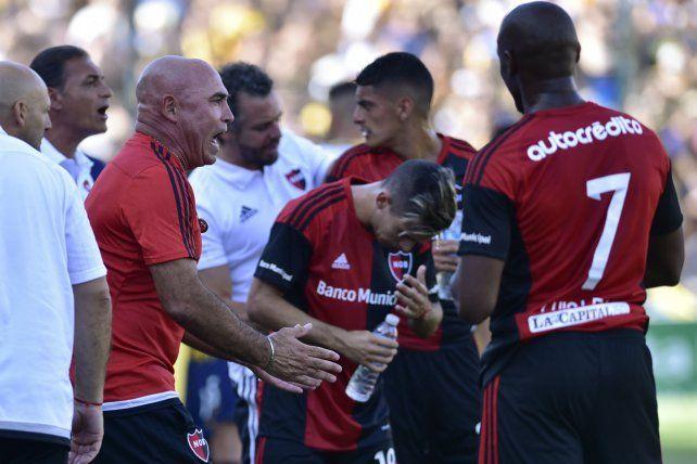 Juntos y unidos. Llop necesita del respaldo de los jugadores para que el equipo vuelva a sumar puntos y se calmen los rumores.