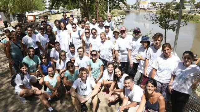 Con cincuenta voluntarios en acción arrancó la limpieza del Arroyo Ludueña