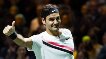 Federer vuelve a la cima del tenis a los 36 años.