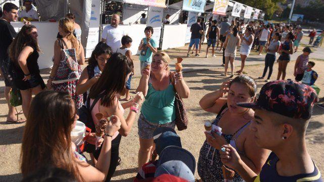 Degustación. Muchos aprovecharon para probar nuevos sabores a lo largo de los tres días del evento.