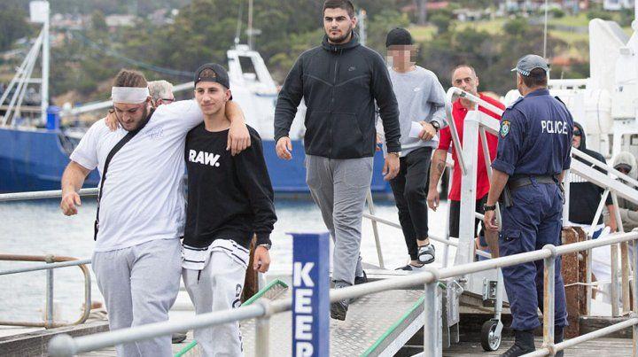 Una familia fue expulsada de un crucero por una tremenda pelea que dejó heridos