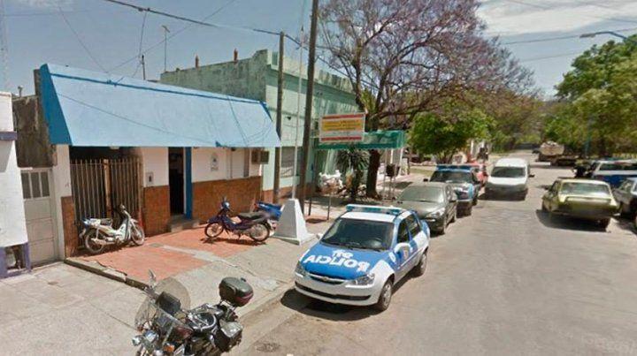 El hombre que agredió a la mujer a machetazos quedó detenido en la comisaría 5ª.
